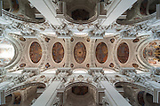 Dom innen, Passau, Bayerischer Wald, Bayern, Deutschland | interior of cathedral, Passau, Bavarian Forest, Bavaria, Germany