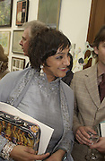 Meera Syal. The Queen's celebration of the Arts. Royal Academy. 16 May 2002. © Copyright Photograph by Dafydd Jones 66 Stockwell Park Rd. London SW9 0DA Tel 020 7733 0108 www.dafjones.com