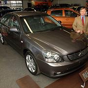 NLD/Vreeland/20060217 - Autobedrijf KIA EVAB aan de Singel 1 in Vreeland, dhr van Ginkel