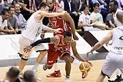 DESCRIZIONE : Milano Lega A 2013-14 EA7 Emporio Armani Milano vs Montepaschi Siena playoff Finale gara 5<br /> GIOCATORE : Keith Langford<br /> CATEGORIA : Palleggio Equilibrio<br /> SQUADRA : EA7 Emporio Armani Milano<br /> EVENTO : Finale gara 5 playoff<br /> GARA : EA7 Emporio Armani Milano vs Montepaschi Siena playoff Finale gara 5<br /> DATA : 23/06/2014<br /> SPORT : Pallacanestro <br /> AUTORE : Agenzia Ciamillo-Castoria/GiulioCiamillo<br /> Galleria : Lega Basket A 2013-2014  <br /> Fotonotizia : Milano Lega A 2013-14 EA7 Emporio Armani Milano vs Montepaschi Siena playoff Finale gara 5<br /> Predefinita :