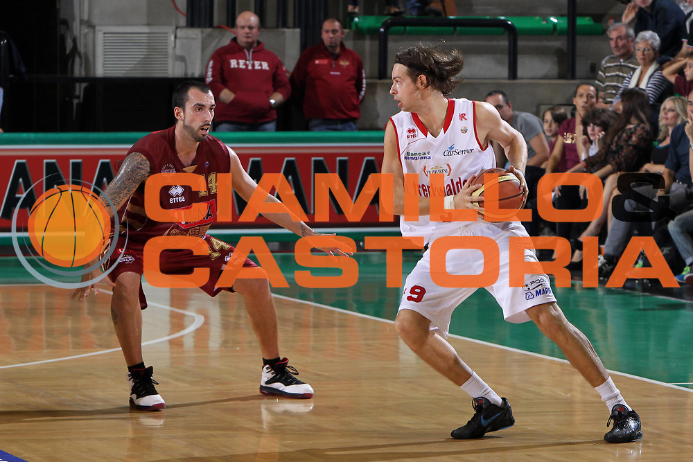 DESCRIZIONE : Treviso Lega A 2012-13 Umana Reyer Venezia Trenkwalder Reggio Emilia<br /> GIOCATORE : tommaso fantoni<br /> CATEGORIA :  difesa<br /> SQUADRA : Umana Reyer Venezia Trenkwalder Reggio Emilia<br /> EVENTO : Campionato Lega A 2012-2013<br /> GARA : Umana Reyer Venezia Trenkwalder Reggio Emilia<br /> DATA : 06/10/2012<br /> SPORT : Pallacanestro<br /> AUTORE : Agenzia Ciamillo-Castoria/G.Contessa<br /> Galleria : Lega Basket A 2012-2013<br /> Fotonotizia :  Treviso Lega A 2012-13 Umana Reyer Venezia Trenkwalder Reggio Emilia<br /> Predefinita :