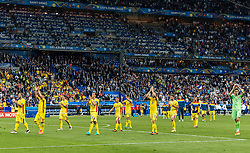10.06.2016, Stade de France, St. Denis, FRA, UEFA Euro, Frankreich, Frankreich vs Rumaenien, Gruppe A, im Bild die Rumänischen Spieler bedanken sich bei den Fans // the Romanian players applaud to their fans during Group A match between France and Romania of the UEFA EURO 2016 France at the Stade de France in St. Denis, France on 2016/06/10. EXPA Pictures © 2016, PhotoCredit: EXPA/ JFK