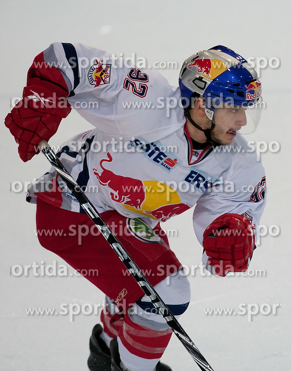 24.10.2011, Eisarena, Salzburg, AUT, EBEL,  EC Redbull Salzburg vs HK Acroni Jesenice, im Bild Daniel Erlich (Salzburg, #92) // Salzburg's Daniel Erlich during EBEL league icehockey match between EC Redbull Salzburg and HK Acroni Jesenice at Eisarena, Salzburg, Austria on 24/10/2011. EXPA Pictures © 2011, PhotoCredit: EXPA/ Johann Groder