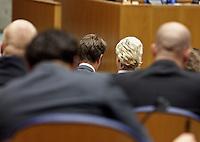 Nederland. Den Haag, 26 oktober 2010.<br /> De Tweede Kamer debatteert over de regeringsverklaring van het kabinet Rutte.<br /> Geert Wilders , PVV, partij voor de vrijheid<br /> Kabinet Rutte, regeringsverklaring, tweede kamer, politiek, democratie. regeerakkoord, gedoogsteun, minderheidskabinet, eerste kabinet Rutte, Rutte1, Rutte I, debat, parlement<br /> Foto Martijn Beekman