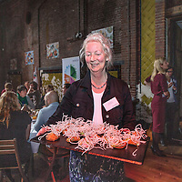 Nederland, Amsterdam , 22 maart 2016.<br /> Onthulling Schijf van Vijf door Gerda Feunekes, directeur Voedingscentrum en Remko Vrijdag in de rol van Joep van de Schijf.<br /> Foto Jean-Pierre Jans