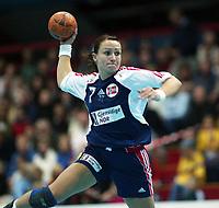 Håndball, 26. september 2002. Treningskamp, Norge - Jugoslavia 31-19. Monica Sandve, Norge.