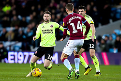 Oliver Norwood of Sheffield United takes on Conor Hourihane of Aston Villa - Mandatory by-line: Robbie Stephenson/JMP - 08/02/2019 - FOOTBALL - Villa Park - Birmingham, England - Aston Villa v Sheffield United - Sky Bet Championship