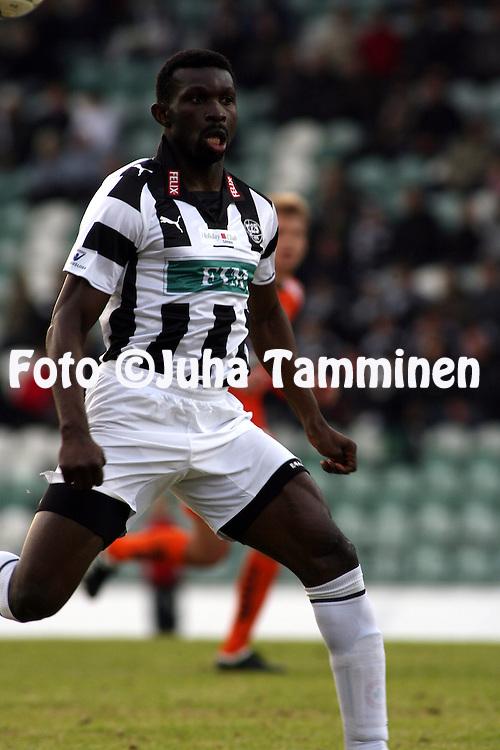 27.04.2009, Kupittaa, Turku, Finland..Veikkausliiga 2009 - Finnish League 2009.FC TPS Turku - JJK Jyv?skyl?.Babatunde Wusu - TPS.©Juha Tamminen.