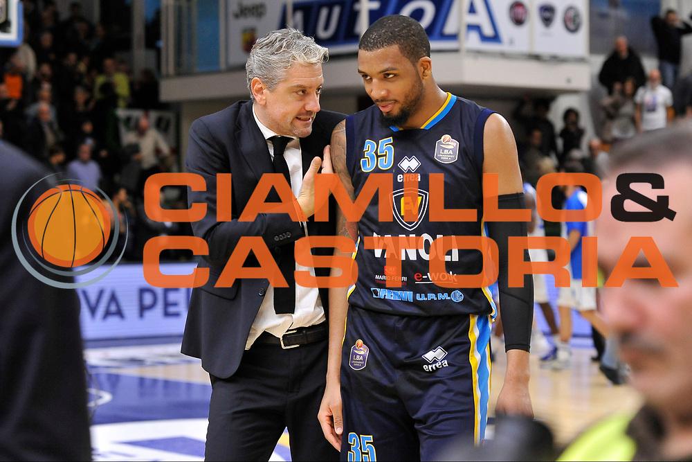 Andrea Conti - TaShawn Thomas<br /> Banco di Sardegna Dinamo Sassari - Vanoli Cremona<br /> LegaBasket Serie A LBA Poste Mobile 2016/2017<br /> Sassari 26/11/2016<br /> Foto Ciamillo-Castoria