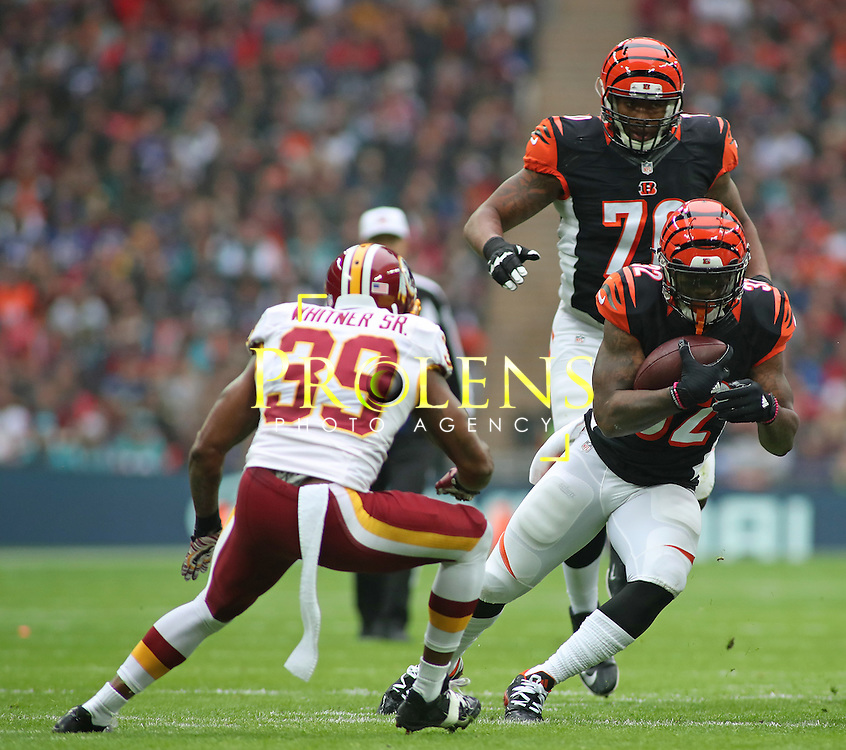 NFL International Series 2016 Washington Redskins @ Cincinnati Bengals 30th OCT 2016<br /> <br /> Cincinnati Bengals Running Back Jeremy Hill (32) runs with the ball  during game 17 of the NFL International Series between the  Washington Redskins and Cincinnati Bengals, From Wembley Stadium, London.<br /> <br /> Pic Micthell Gunn / PLPA? ProLens Photo Agency.<br /> Sunday 30 October 2016