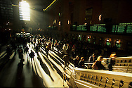 New York. pedestrians shadows in grand central railway station / ombres des passants dans la gare de Grand Central