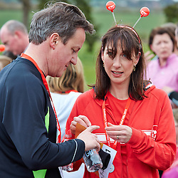 LNP Weekly Highlights 28/03/14  © Licensed to London News Pictures.  23/03/2014. OXFORD, UK. Prime minister DAVID CAMERON (left) and wife SAMANTHA CAMERON (right) and family at the end of the Oxford Sport Relief Mile. Photo credit: Cliff Hide/LNP