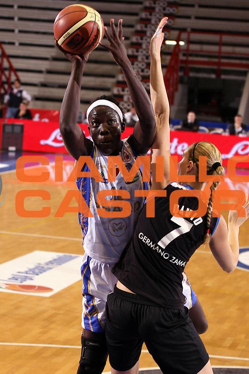 DESCRIZIONE : Napoli Supercoppa Italiana LegA Basket Femminile 2007-2008 Phard Napoli Germano Zama Faenza<br /> GIOCATORE : Astou Ndiaye<br /> SQUADRA : Phard Napoli <br /> EVENTO : Supercoppa Italiana LegA Basket Femminile<br /> GARA : Phard Napoli Germano Zama Faenza<br /> DATA : 14/10/2007 <br /> CATEGORIA :<br /> SPORT : Pallacanestro <br /> AUTORE : Agenzia Ciamillo-Castoria/E.Castoria<br /> Galleria : Lega Basket Femminile 2007-2008<br /> Fotonotizia : Napoli Supercoppa Italiana LegA Basket Femminile 2007-2008 Phard Napoli Germano Zama Faenza<br /> Predefinita :