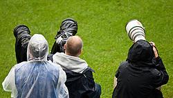 29.05.2010, Hypo Group Arena, Klagenfurt, AUT, FIFA Worldcup Vorbereitung, Neuseeland vs Serbien im Bild Feature Fotografen, EXPA Pictures © 2010, PhotoCredit: EXPA/ J. Feichter / SPORTIDA PHOTO AGENCY