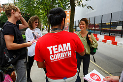 © Licensed to London News Pictures. 27/08/2015. London, UK. Labour Party leader candidate Jeremy Corbyn's supporters campaigning outside a husting hosted by Daily Mirror at DoubleTree Hilton Hotel in London on Thursday, August 27, 2015. Photo credit: Tolga Akmen/LNP