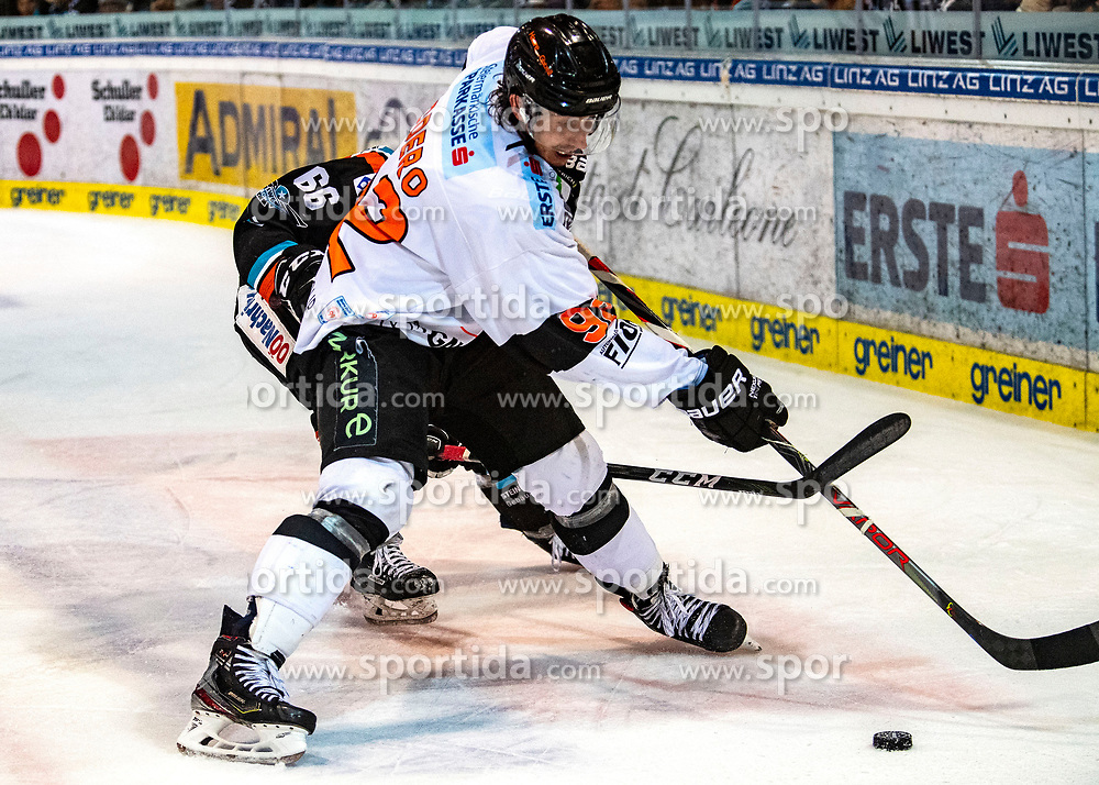 19.01.2020, Keine Sorgen Eisarena, Linz, AUT, EBEL, EHC Liwest Black Wings Linz vs Moser Medical Graz 99ers, 42. Runde, im Bild v.l. Stefan Gaffal (EHC Liwest Black Wings Linz), Charles Dodero (Moser Medical Graz 99ers) // during the Erste Bank Eishockey League 42th round match between EHC Liwest Black Wings Linz and Moser Medical Graz 99ers at the Keine Sorgen Eisarena in Linz, Austria on 2020/01/19. EXPA Pictures © 2020, PhotoCredit: EXPA/ Reinhard Eisenbauer