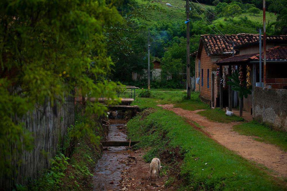 Prados_MG, Brasil...Casas no povoado historico de Vitoriano Veloso (Bichinho), Minas Gerais...Houses facade at Historic Village Vitoriano Veloso (Bichinho), Minas Gerais...Foto: JOAO MARCOS ROSA / NITRO