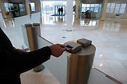 Nederland, Arnhem, 6-3-2003..Magneetpas voor het krijgen van toegang naar verschillende ruimtes in het Ohra gebouw.elektronische beveiliging, veiligheid, ongewenst bezoek...Foto: Flip Franssen/Hollandse Hoogte