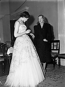 31/09/1952<br /> 09/31/1952<br /> 31 September 1952<br /> Fashions; Irene Gilbert, 22 South Frederick Street, Fashion designer. Fashion Parade at the Shelbourne Hotel, Stephens Green and Salon.