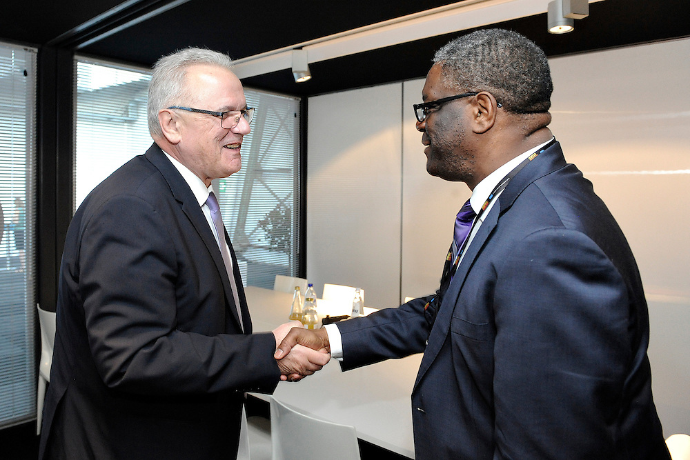 20150604- Brussels - Belgium - 04 June2015 - European Development Days - EDD  - <br /> Neven Mimica Devco and Dr Denis Mukwege<br /> UNIDO © EU/UE