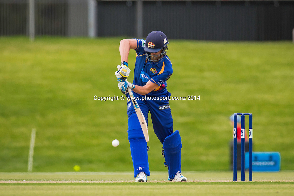Aaron Redmond bats for the Otago VoltsFord Trophy - Volts v Knights, 27 December 2014Saturday, 27 December 2014, Molyneux Park, Alexandra - List-A Match - Ford Trophy CREDIT: Libby Law / www.photosport.co.nz