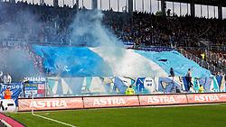 16.04.2016, Millerntor, Hamburg, GER, 2. FBL, FC St. Pauli vs VfL Bochum, 30. Runde, im Bild Bochums Fans zuenden vor dem Spiel Pyrotechnik. // during the 2nd German Bundesliga 30th round match between FC St. Pauli and VfL Bochum at the Millerntor in Hamburg, Germany on 2016/04/16. EXPA Pictures © 2016, PhotoCredit: EXPA/ Eibner-Pressefoto/ Koenig<br /> <br /> *****ATTENTION - OUT of GER*****