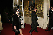 Annabel Neilson and Alexander McQueen, The Moet and Chandon Fashion Tribute 2006 Honouring British Photographer Nick Knight. Strawberry Hill House. Twickenham. 24 October 2006. -DO NOT ARCHIVE-© Copyright Photograph by Dafydd Jones 66 Stockwell Park Rd. London SW9 0DA Tel 020 7733 0108 www.dafjones.com