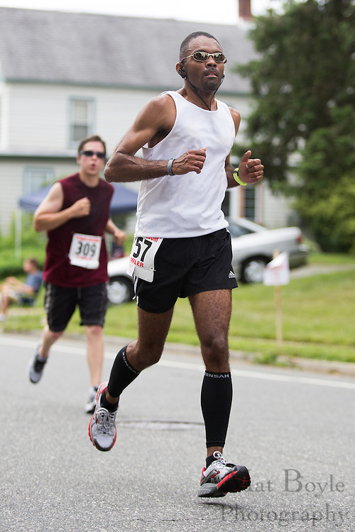 Pitman Freedom 4 Mile Run at Broadway Ave. in Pitman, NJ on Thursday July 4, 2013. (photo / Mat Boyle)