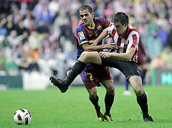 25.09.2010, San Mames, Bilbao, ESP, Primera Division, Athletic Bilbao vs FC Barcelona, im Bild Atletic de Bilbao's Jon Aurtenetxe (r) and FC Barcelona's Daniel Alves during La Liga match. EXPA Pictures © 2010, PhotoCredit: EXPA/ Alterphotos/ Acero +++++ ATTENTION - OUT OF SPAIN / ESP +++++