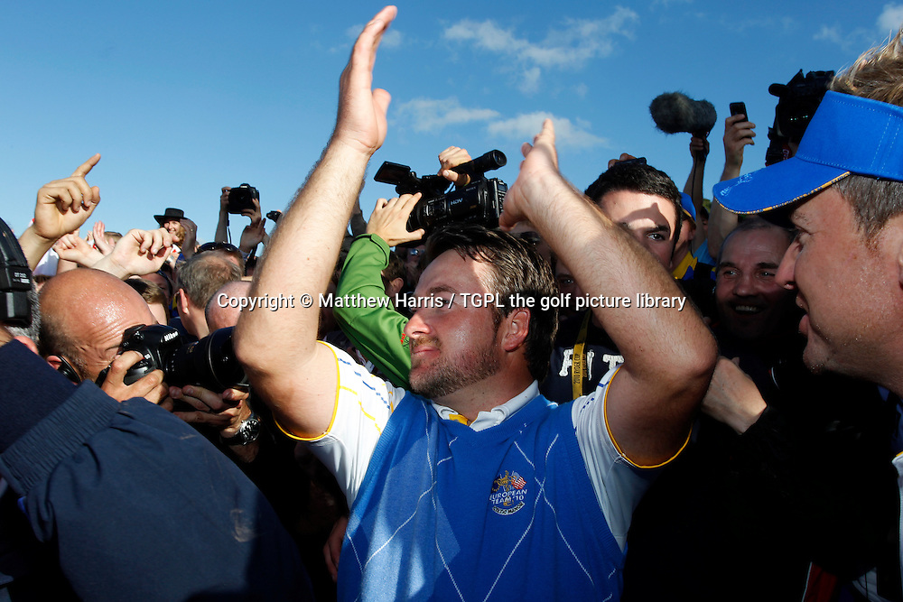 Graeme MCDOWELL (EUR) applause the Euro fans after a famous win Session Four_Singles during Ryder Cup 2010,Celtic Manor,Newport,Wales.