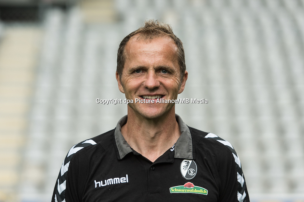 German Bundesliga - Season 2016/17 - Photocall SC Freiburg on 5 August 2016 in Freiburg, Germany: Physiotherapist Uwe Vetter. Photo: Patrick Seeger/dpa | usage worldwide