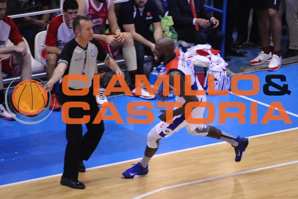 DESCRIZIONE : Brindisi Lega A 2014-15 Play Off Gara3 Quarti di Finale Enel Brindisi GrissinBon Reggio Emilia<br /> GIOCATORE : James Delroy<br /> CATEGORIA : Esultanza<br /> SQUADRA : Enel Brindisi<br /> EVENTO : Campionato Lega A 2014-2015<br /> GARA : Enel Brindisi GrissinBon Reggio Emilia<br /> DATA : 23/05/2015<br /> SPORT : Pallacanestro <br /> AUTORE : Agenzia Ciamillo-Castoria/M.Longo<br /> Galleria : Lega Basket A 2014-2015 <br /> Fotonotizia : Brindisi Lega A 2014-15 Play Off Gara3 Quarti di Finale Enel Brindisi GrissinBon Reggio Emilia