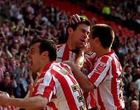 Photo: Jed Wee/Sportsbeat Images.<br /> Sunderland v Wolverhampton Wanderers. Coca Cola Championship. 07/04/2007.<br /> <br /> Sunderland mob goalscorer Daryl Murphy (C).