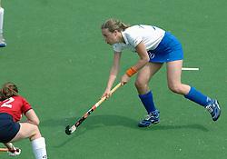 07-05-2006 HOCKEY: KAMPONG - LAREN: UTRECHT<br /> De vrouwen van hockeyvereniging Kampong hebben vanmiddag met 3 - 5 verloren van Laren / Els Brouwer <br /> ©2006-WWW.FOTOHOOGENDOORN.NL