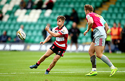 Harry Randall of Gloucester Rugby passes the ball - Mandatory by-line: Robbie Stephenson/JMP - 28/07/2017 - RUGBY - Franklin's Gardens - Northampton, England - Harlequins v Gloucester Rugby - Singha Premiership Rugby 7s