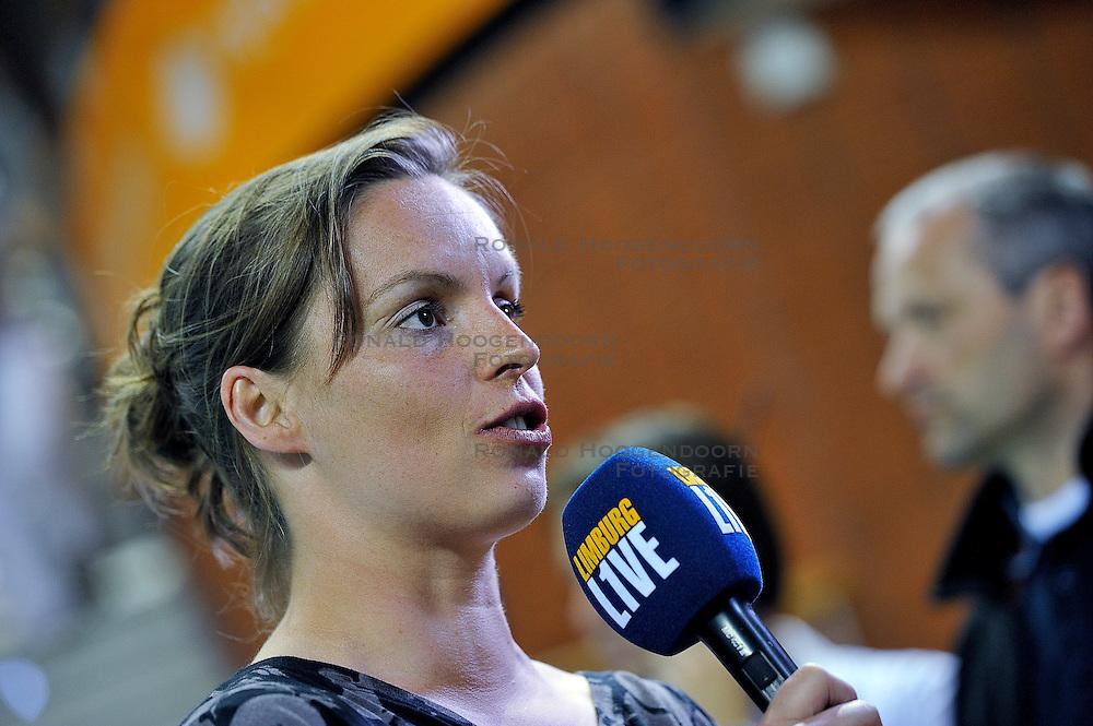 10-04-2011 VOLLEYBAL: BEKERFINALE VC WEERT - VC SNEEK: ALMERE<br /> Janneke van Tienen<br /> &copy;2011 Ronald Hoogendoorn Photography