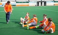 ROTTERDAM -   Stijn Jolie, fysio, met Nederlands B.  . Practice Match  Hockey : Netherlands Boys U16  v England U16 . COPYRIGHT KOEN SUYK