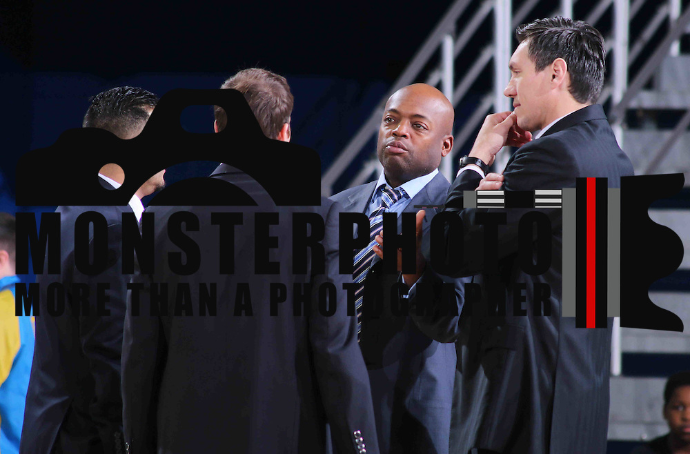 Texas Legends Head Coach Eduardo Najera (RIGHT), Assistant Coach Nick Van Exel and Assistant Coach Tyler Gatlin huddle during a time out in the first half of a NBA D-league regular season basketball game between the Delaware 87ers and the Texas Legends (Dallas Mavericks) Sunday, Jan. 25, 2015 at The Bob Carpenter Sports Convocation Center in Newark, DEL