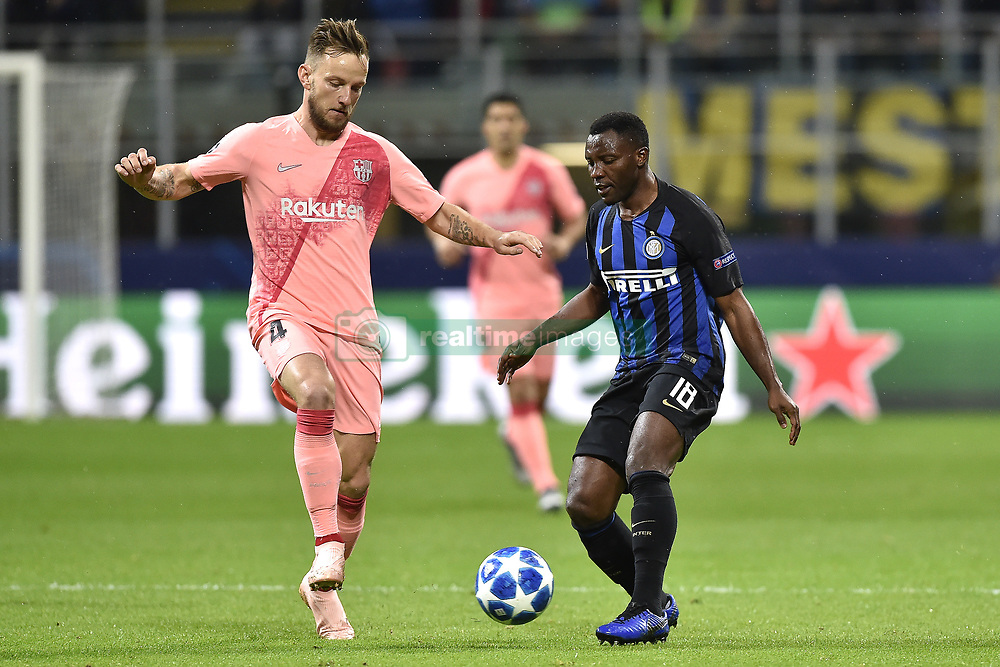 صور مباراة : إنتر ميلان - برشلونة 1-1 ( 06-11-2018 )  20181106-zaa-a181-392