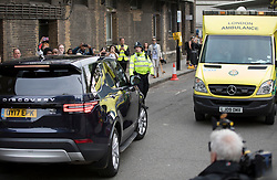 © Licensed to London News Pictures. 23/04/2018. London, UK. PRINCE WILLIAM pulls over to allow an ambulance past he drives THE DUCHESS OF CAMBRIDGE from St Mary's Hospital with their new baby boy.  Photo credit: Peter Macdiarmid/LNP