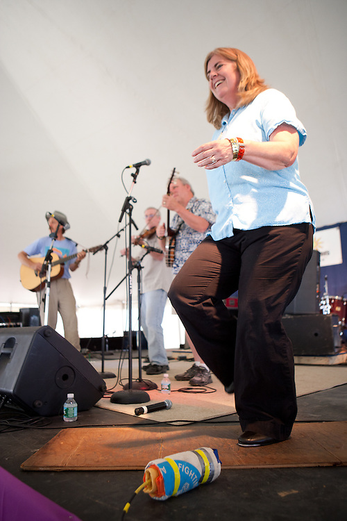 Clogging with John Kirk, Trish Miller and the Fiddlestyx