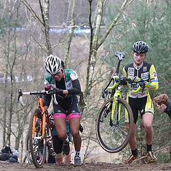 09-01-2016: Wielrennen: NK Veldrijden: Hellendoorn<br />HELLENDOORN (NED) veldrijden<br />Op de flanken van de Sallandse Heuvelrug streden de veldrijders om de Nederlandse titel. <br />Ceylin del Carmen Alvarado (9 Rotterdam) en Karlijn Swinkels (25-Handel)