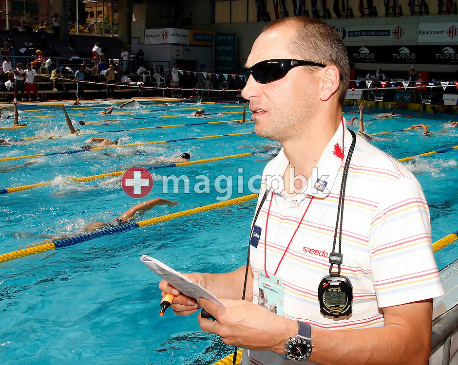 Australian coach Stephan WIDMER of Switzerland is pictured during his coaching on day 1 at the 27th International Swimming Meet (50m) held at Piscina Pere Serrat in Barcelona, Spain, Saturday, June 10, 2006. (Photo by Patrick B. Kraemer / MAGICPBK)