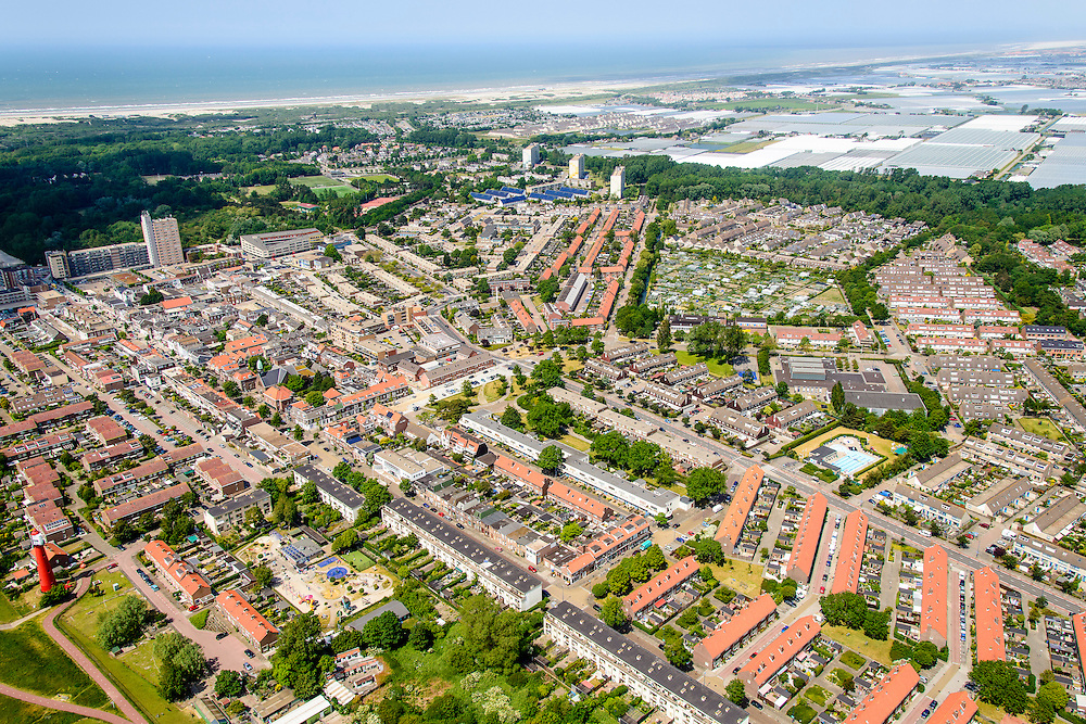 Nederland, Zuid-Holland, Hoek van Holland, 10-06-2015;<br /> Overzicht Hoek van Holland, richting Westalnd.<br /> Hook of Holland, overview.<br /> <br /> luchtfoto (toeslag op standard tarieven);<br /> aerial photo (additional fee required);<br /> copyright foto/photo Siebe Swart