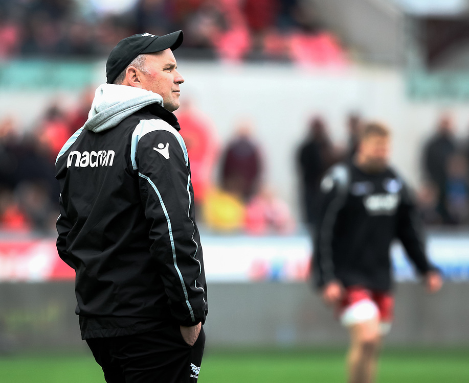 Scarlets' Head Coach Wayne Pivac during the pre match warm up<br /> <br /> Photographer Simon King/Replay Images<br /> <br /> Guinness PRO14 Round 19 - Scarlets v Glasgow Warriors - Saturday 7th April 2018 - Parc Y Scarlets - Llanelli<br /> <br /> World Copyright © Replay Images . All rights reserved. info@replayimages.co.uk - http://replayimages.co.uk