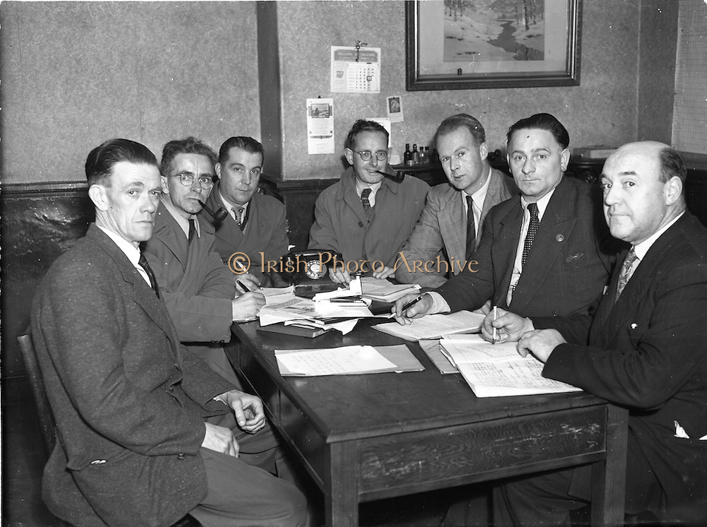 24/9/1952<br /> 9/24/1952<br /> 24 September 1952<br /> <br /> Chefs committee Meeting, Hotels Branch I.T.G.W.U.