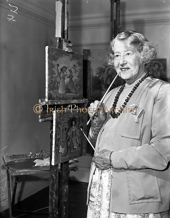 11/10/1959<br /> 10/11/1959<br /> 11 October 1959<br /> Beatrice Moss Campbell ( Elvery ), Lady Glenavy at her home at RockBrook House, Rathfarnham, Dublin. Lady Glenavy was  a well known stained-glass artist and painter and friend of William Orpen. Here she is pictured in her studio at her home.