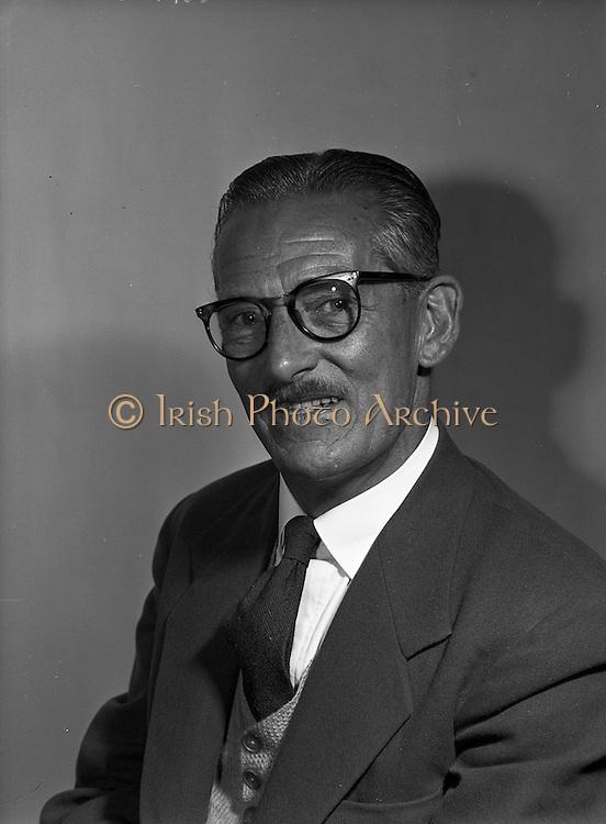20/05/1959<br /> 05/20/1959<br /> 20 May 1959<br /> Mr. Finn of Irish Shell at Irish Shell offices, Fleet Street, Dublin.