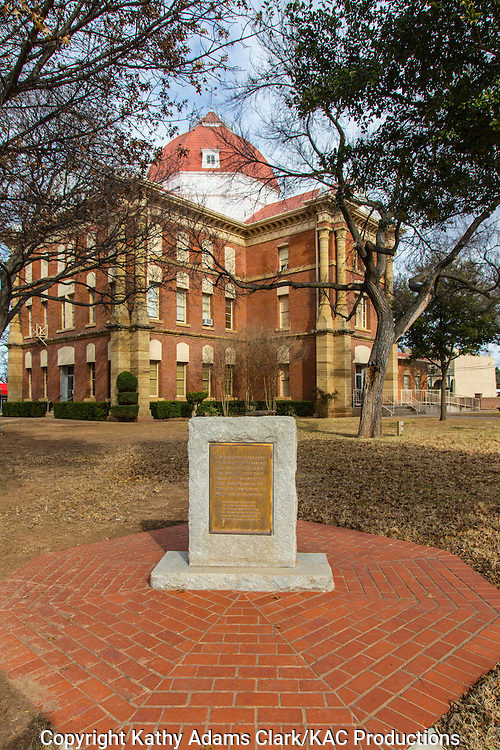 "A plaque in front of the Clay County Courthouse in Henrietta, Texas, honors the location where the first registered hereford cattle set ""the hooves"" in Texas back in 1876."
