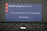 Prinses M&aacute;xima bezoekt een werkplaats van Reclassering Nederland in Arnhem.<br /> <br /> Princess M&aacute;xima attends a workshop of Probation Netherlands in Arnhem.<br /> <br /> Op de foto / On the photo: <br />  Prinses Maxima